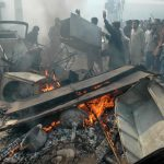Muslim mobs attack a Christian area of Lahore after blasphemy allegation. (M. Ali photo)