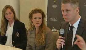 Provita attorney Ruth Nordström and attorney Roger Kiska of Alliance Defending Freedom flank Ellinor Grimmark at press conference last month. (TV4Nyheterna)