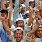 Muslims in Pakistan clamor for Asia Bibi's death sentence to be upheld in 2010. (Pakistan Today)