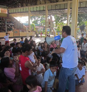Children caught in armed conflict are entertained at an evacuation center in Mindanao. (Morning Star News)