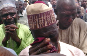 Parents in Chibok lament kidnapping of their daughters. (VOA)