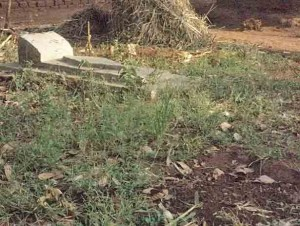 Grave of Pastor Robert Bakulubanywa. (Morning Star News)