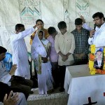 Pastor Paul Emmanuel prays for family of murdered pastor Yohan Marayya at memorial service. (Facebook Paul Emmanuel)