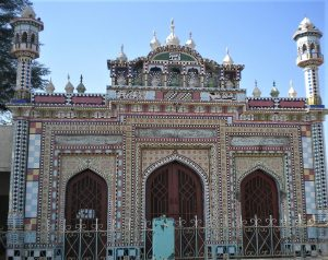 Mosque in Jhelum District, Punjab Province, Pakistan. (Kahlid Mahmood, Wikipedia)