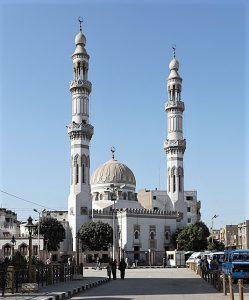 El-Arif Mosque in Sohag, Egypt. (Wikipedia, Roland Unger).