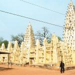 Grand Mosque in Bobo-Dioulasso, Burkina Faso. (Wikipedia, Semiliki)