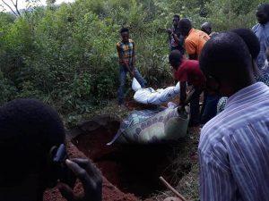 Baptist Church members bury some of 14 Christians killed in Agbadu-Daruwana, Kogi state, Nigeria on July 29. (All Africa Baptist Fellowship Facebook)