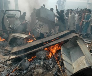 Muslim mobs attacked a Christian area of Lahore, Pakistan after false blasphemy allegation in March 2013. (M. Ali photo)
