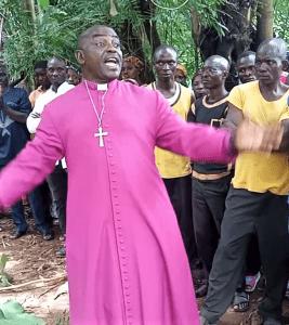 The Rev. Jacob Kwashi at funeral for 17 Christians killed in Zangon Kataf County, Nigeria. (Morning Star News screenshot)
